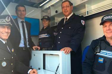 Le premier poste de police mobile, au plus près des Cannois